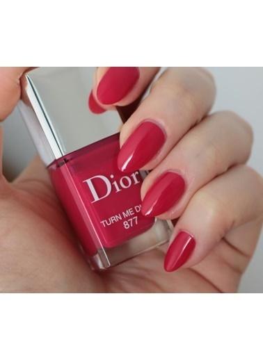 Dior Dior Vernis Nail Lacquer 877 Turn Me Dior Oje Kırmızı